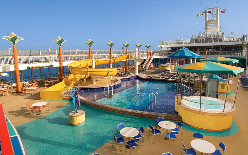 Norwegian Cruise Line Jewel public sapphire pool