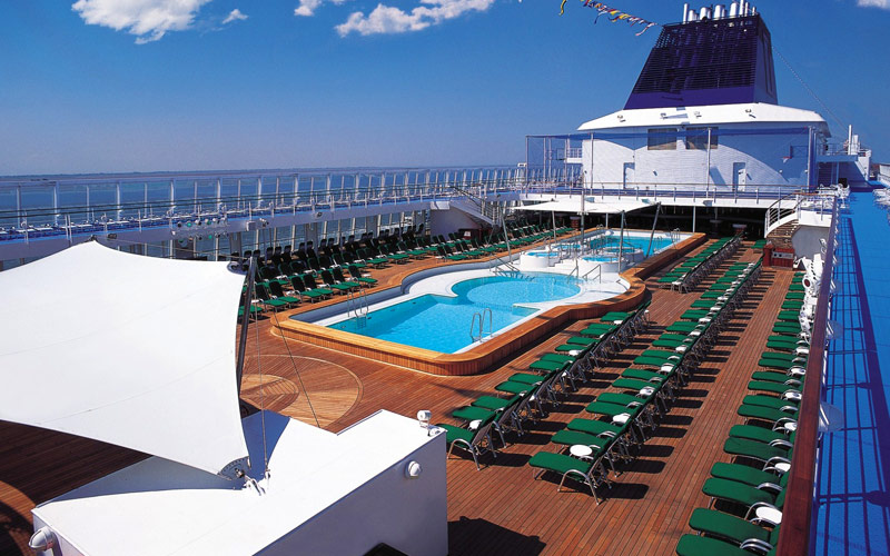 Norwegian Cruise Line Sky Public Main pool
