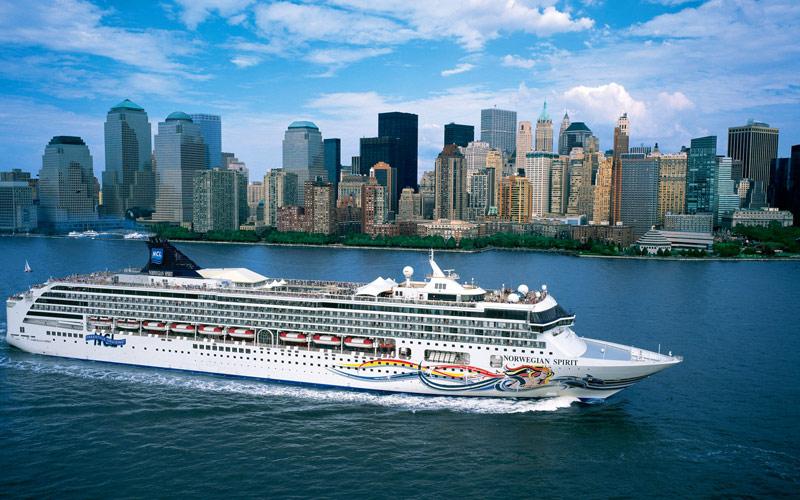 Norwegian Cruise Line Spirit exterior