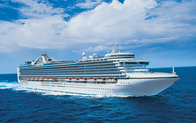 Emerald Princess Cruise Ship 2018 And 2019 Emerald