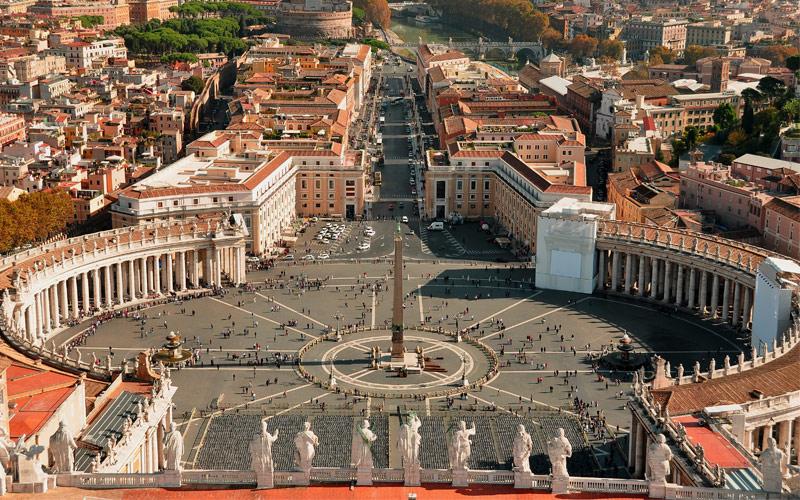 St. Peters Square Vatican Regent Seven Seas Europe