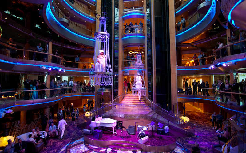 Royal Caribbean Grandeur of the Seas Centrum