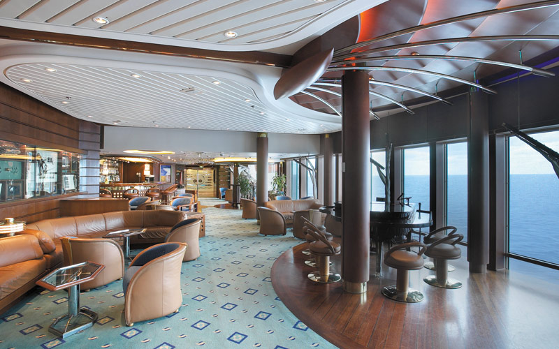 Royal Caribbean Vision of the Seas Schooner Bar