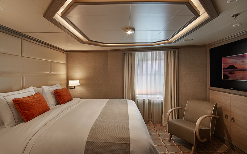 Grand Suite aboard Silver Moon