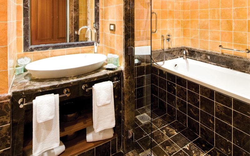 Silversea Cruise Line Silver Wind Suite Bathroom