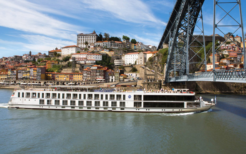Uniworld River Cruises Queen Isabel exterior