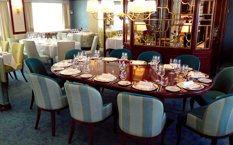 Main dining room on Queen Isabel