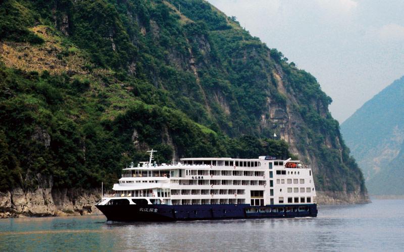 Sanctuary Yangzi Explorer ship exterior