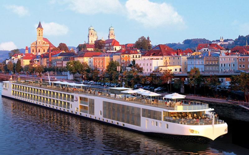 Viking River Cruises Viking Mani exterior