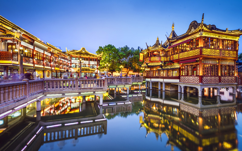 Yuyuan Garden waterfront in Shanghai, China