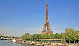 Avalon Art River Cruise Paris Eiffel Tower