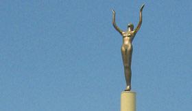 Azamara Club Cruises - Napier Statue