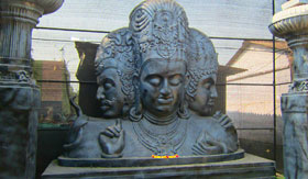 Statue at Elephanta Caves