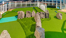 Mini Golf aboard Norwegian Joy