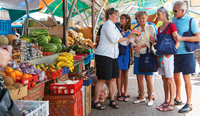 Oceania Cruises guests on a culinary tour