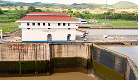 Royal Caribbean - Miraflores Locks of Panama Canal