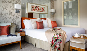 Luxury Suite aboard Uniworld's Sanctuary Yangzi Explorer
