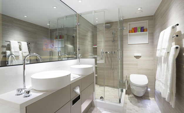 Crystal Mozart Penthouse bathroom