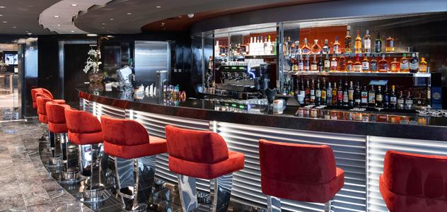 MSC Virtuosa Yacht Club Top Sail Lounge