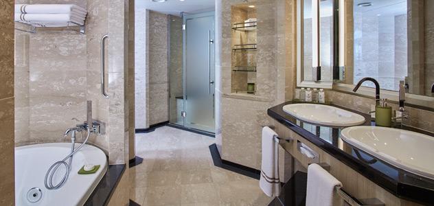 Silver Moon Owners Suite Bathroom